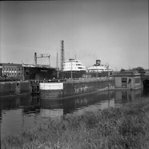 image 109 - 'ormsary' (iron ore carrier) in latchford locks having discharged at irlam steel works