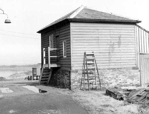 image c03261 ellesmere port slipway winchhouse 1960's