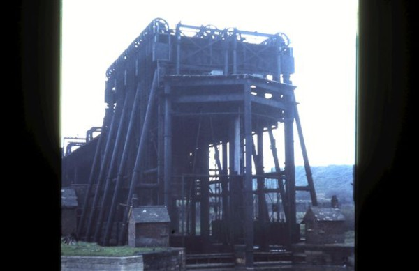 image crt-collinge-5 anderton boat lift around 1960 possibly (4)