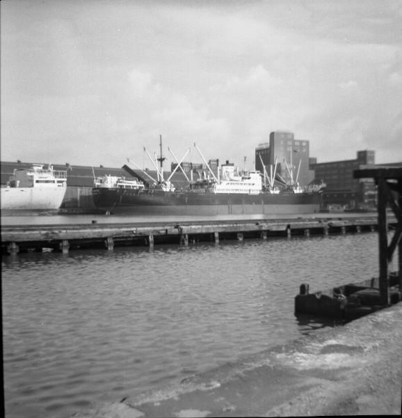 image 23 - ship in east float, birkenhead(black hull)