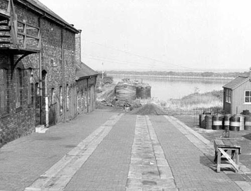 image c03262 ellesmere port slipway 1960's