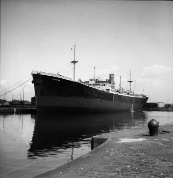 image 03 - 'helene' in alfred half tide dock, birkenhead(2)