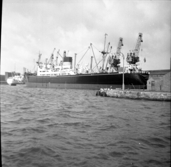 image 38 - 'staffordshire'(bibby) at west float, birkenhead
