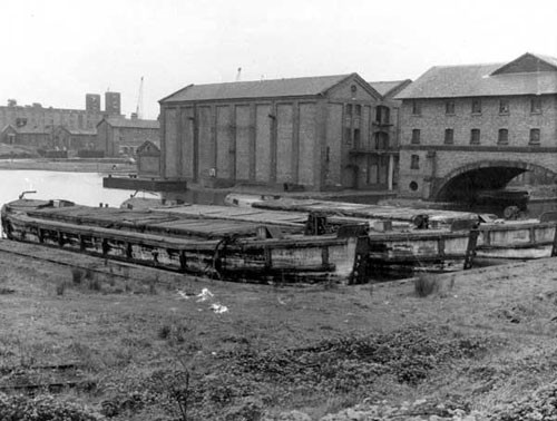 image c03031 ellesmere port basin from porters row 1950's