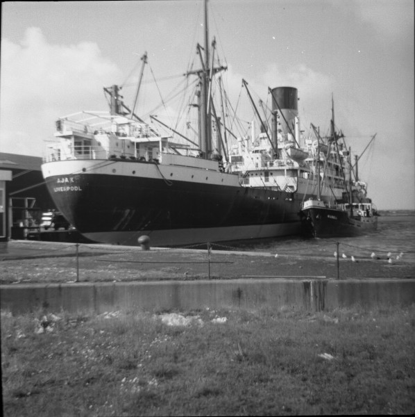 image 30 - 'ajax'[blue funnel line] & 'murell' at liverpool